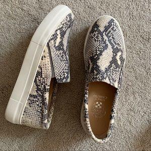 Vince Camuto snakeprint slipon sneaker leather 8.5